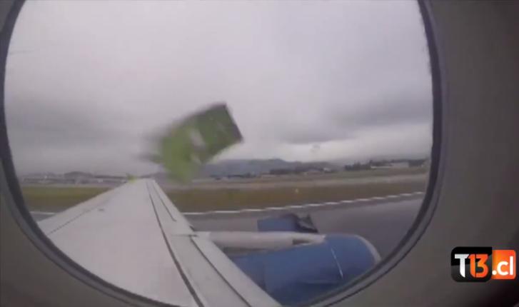 Pasajero graba como se rompe un trozo del avión durante el despegue