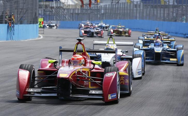 Las primeras carreras de coches autónomos se realizaran en 2016