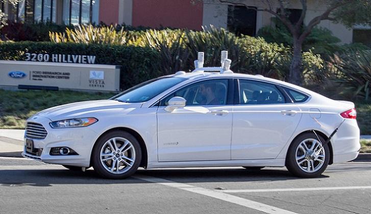Google y Ford se asocian para construir futuros coches de conducción autónoma