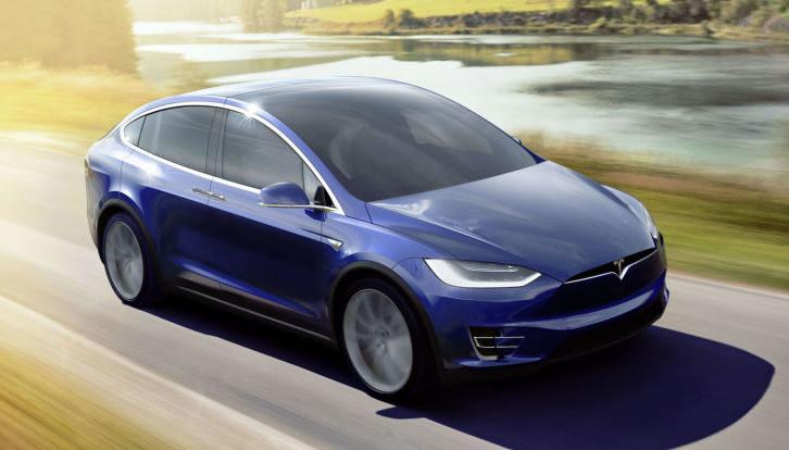 Ahora los coches Tesla se conducen solos al ingresar al garaje