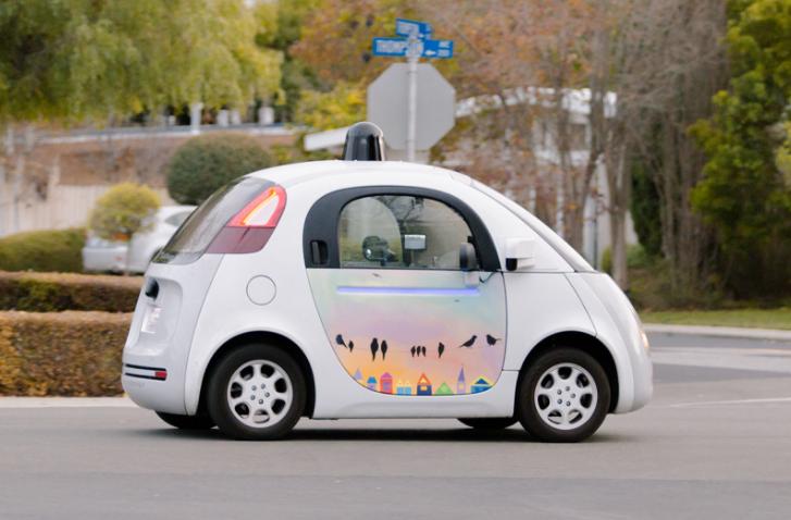 Los sensores del coche autónomo de Google saben interpretar las señales de los ciclistas