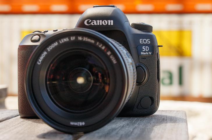 Canon presenta su nueva cámara EOS 5D Mark IV
