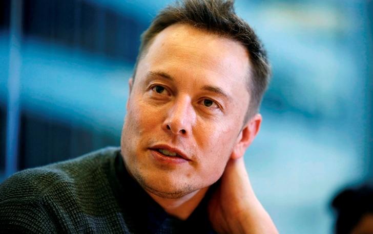 Elon Musk crea nueva empresa para conectar nuestro cerebro con una computadora
