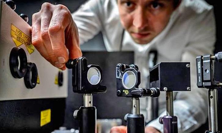 Científicos diseñan cámara que puede tomar 5 billones de fotos en un segundo