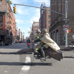 "Transforman una simple moto en una ""speeder bike"" de ""Star Wars"""