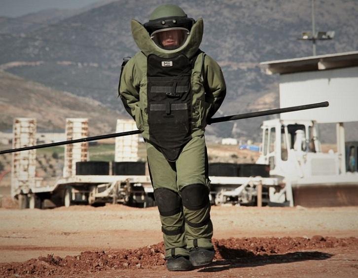 Como están fabricados los trajes de desactivación de bombas