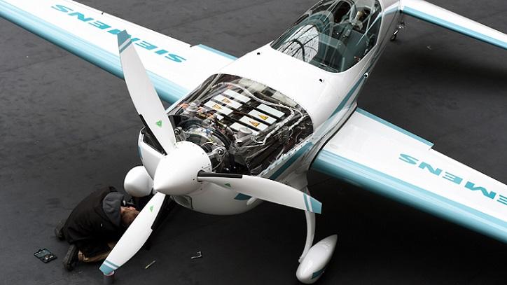 Rolls-Royce está construyendo el avión eléctrico más veloz del mundo