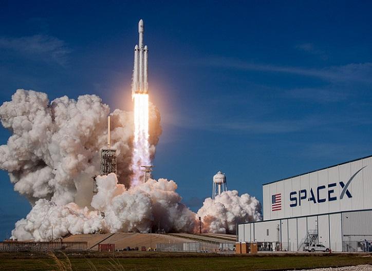 Tesla empieza a crear su red de satélites para llevar Internet a todo el planeta