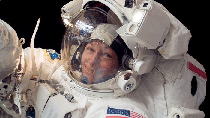 La NASA proyecta llevar a la primera mujer a la Luna en 2024